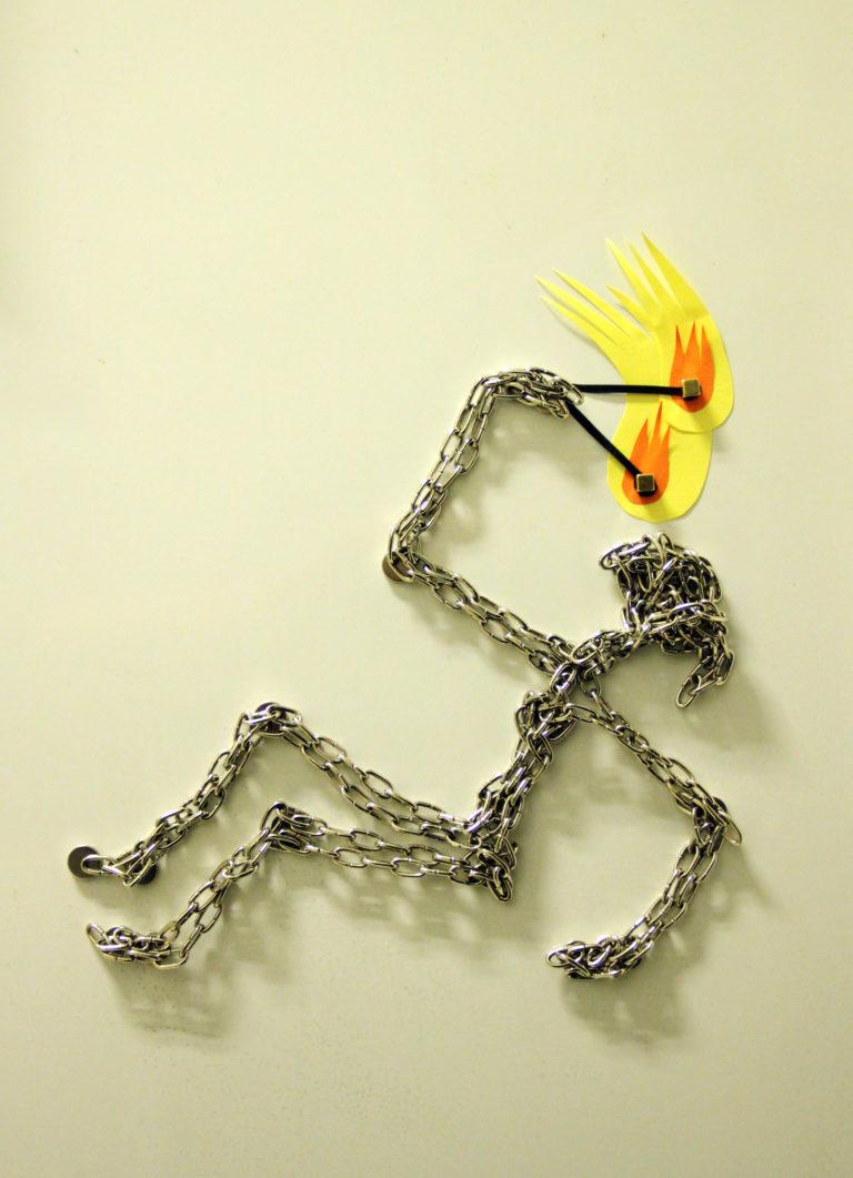 Chains & Magnets: 'Feuerschluckerin'