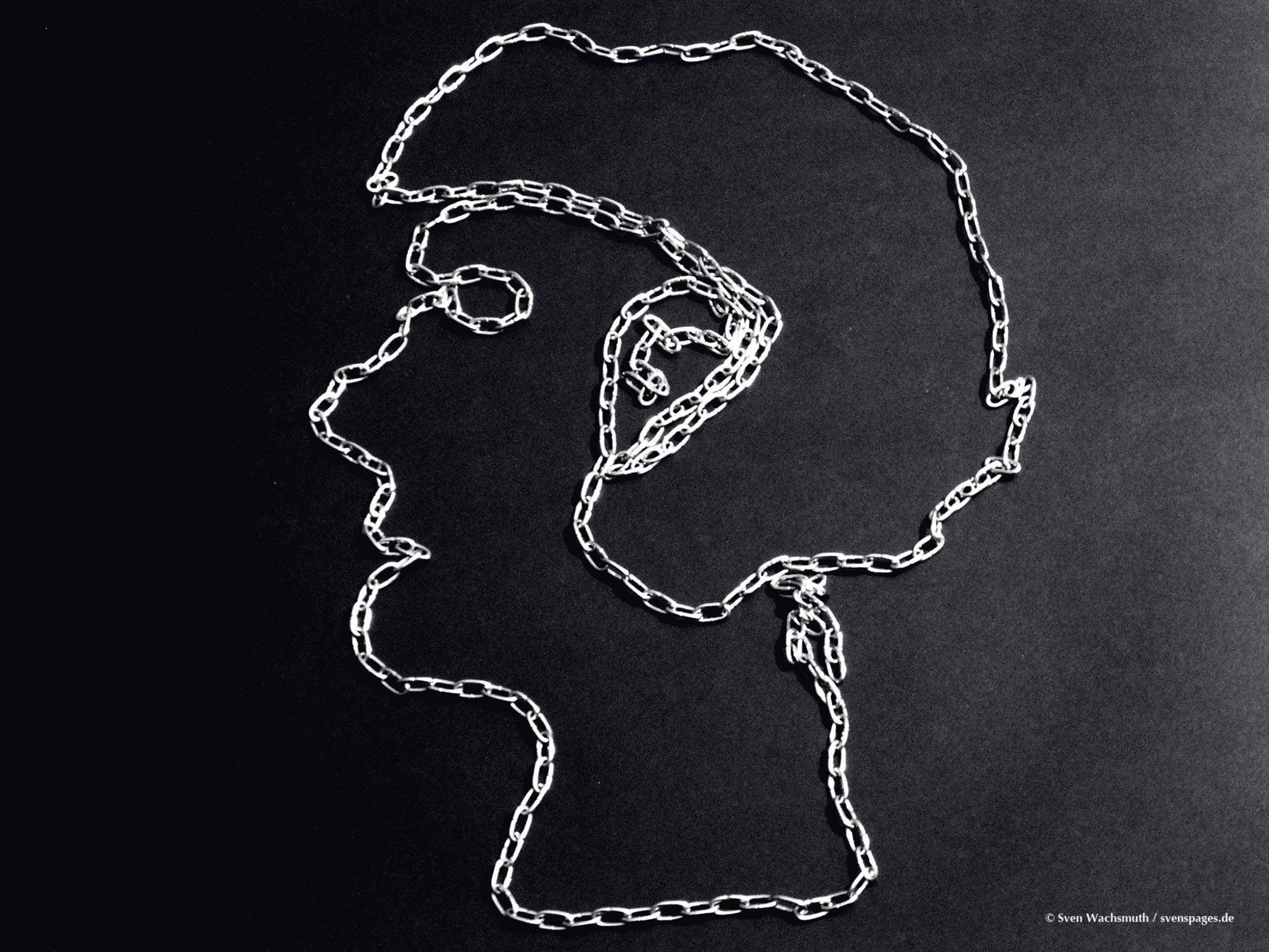 2005-03-12-chains-portrait1